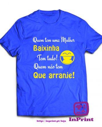 Quem-tem-a-mulher-baixinha-estampagem-aveiro-Coimbra-Anadia-roupa-HOODIE-sweatshirt-casaco-inprint-comprar-online-personalizado-bordado-prenda-oferecer-T-Shirt-Male